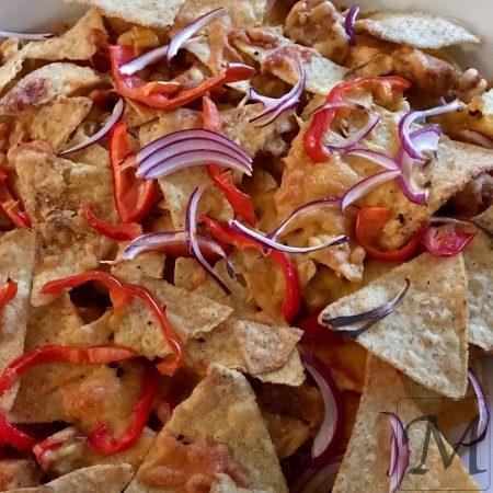 nachos med kylling og cheddar