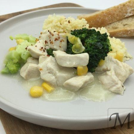 Kylling med broccoli og majs