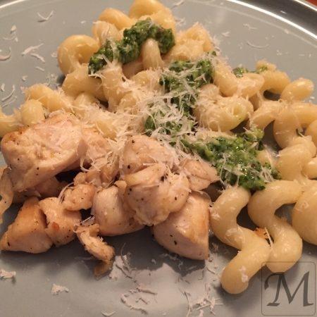 pasta med mandel pesto