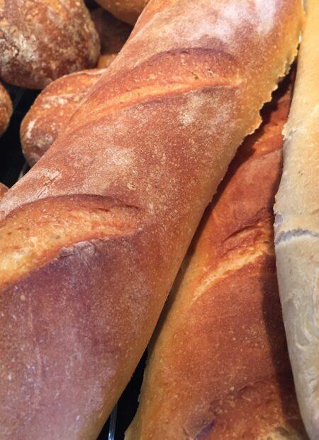 Bag selv brød med surdej