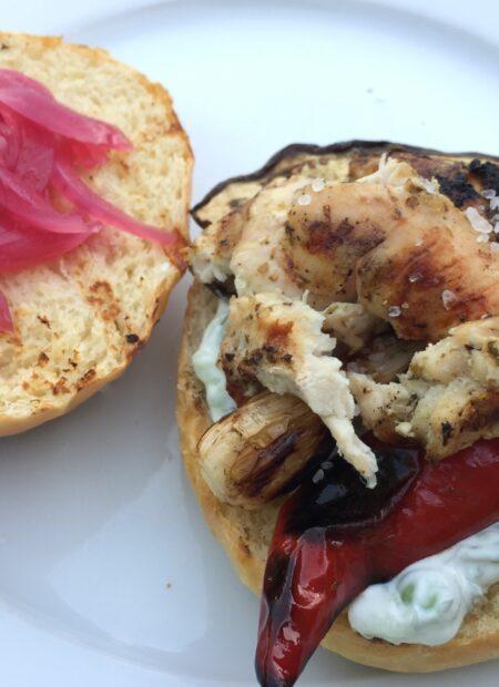 Græske burgere i briocheboller